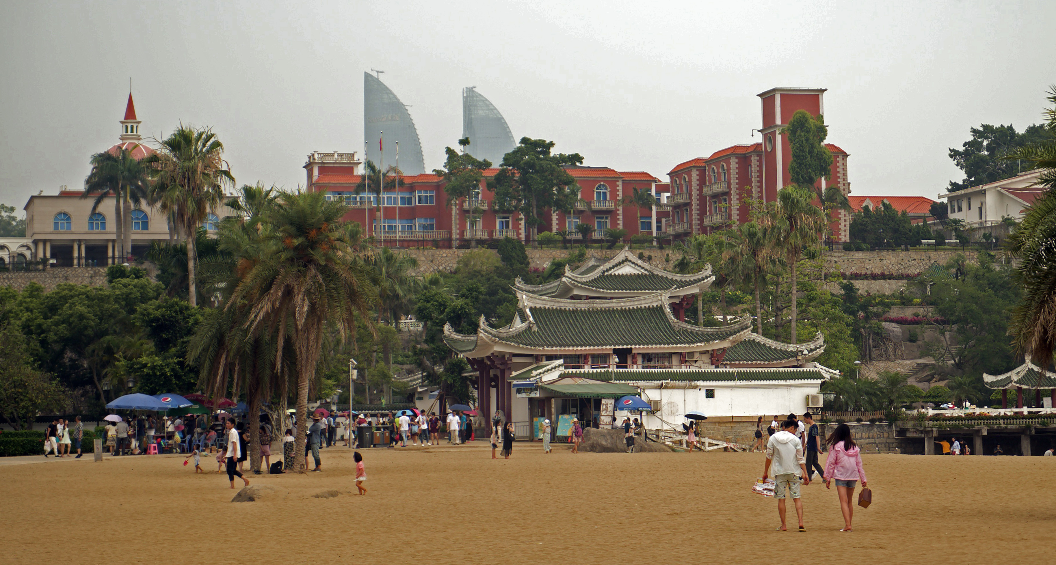 Gang Zai Hou Beach (Gang Zai Hou Sha Tan 港仔后沙滩)